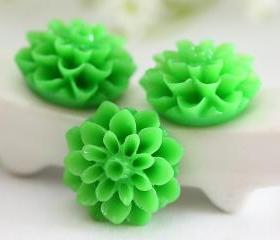 Green Dahlia / Mums Flower Resin Cabochons 6pc