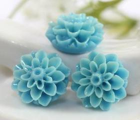 Light Blue Dahlia / Mums Flower Resin Cabochons 6pc