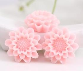Light Pink Flower Resin Cabochons 4pc