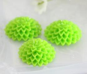 Apple Green Dahlia / Mums Flower Resin Cabochons 10pc