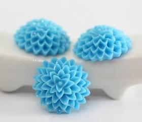 Light Blue Dahlia / Mums Flower Resin Cabochons 10pc